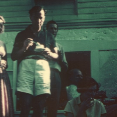 Ian Fleming visits Oatsie Leiter